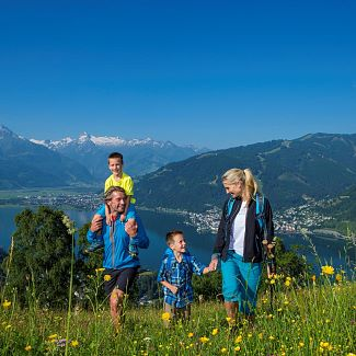 hiking-family-mitterberg_be6r1373