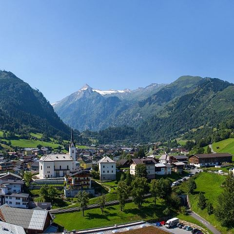 kaprun_city_panorama2-2013-eagle-eye_web